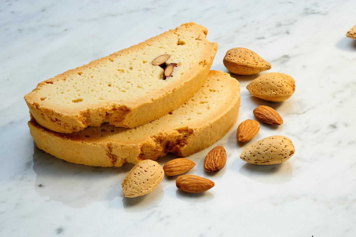 Mezzaluna Biscotti   Tuscany Almond